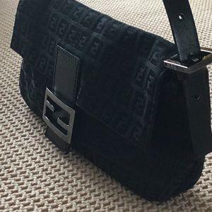 d98be5aa2d3 Fendi Bags - Fendi Zucca monogram canvas leather handbag